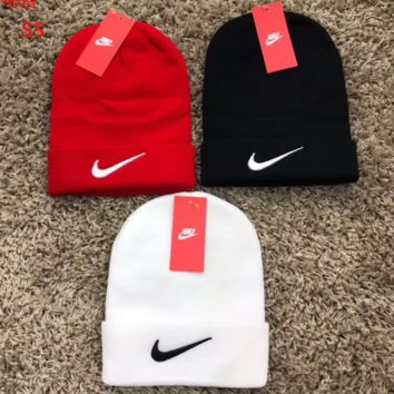 NIKE knittedted Beanie Cap Hat Winter Warm