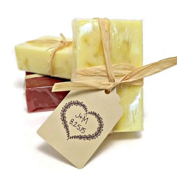 50 Rustic Wedding Favors, Custom Soap Favors, Wedding Shower Favors, Rustic Soap Gifts, Bridal Shower, Party Favors