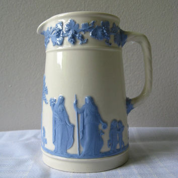Vintage Wedgwood 8oz Pitcher Lavender on Cream Rare by pillowsophi