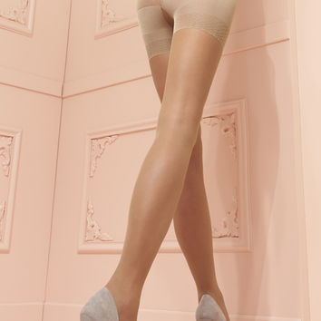 Model 20 Den Push Up Pantyhose