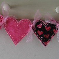 Pink Valentine Hearts on Luulla