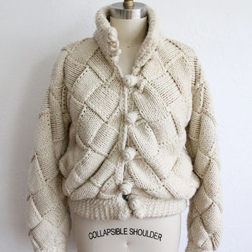 ON SALE Vintage 80s White Ivory Chunky Cable Knit Sweater // Women's Winter Cardigan