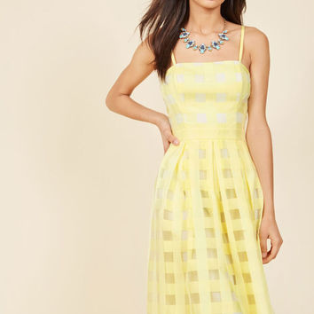 Sweet Sunday Midi Dress in Buttercup