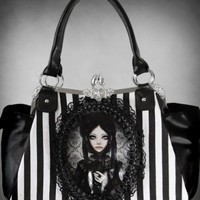 HANDBAG | Grey Doll Gothic Cameo