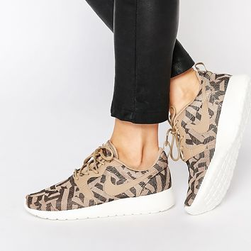 Nike Roshe Run Jacquard Animal Print Trainers