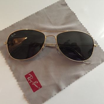 Mint AUTHENTIC RAY BAN AVIATOR RB3025 52 MM POLARIZED GREEN LENS GOLD FRAME