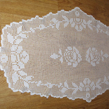 White Vintage Lace Runner, Lacework, Crocheted Table Linen, Crochet Roses, Embroidered, Polish Folk, Table topper, Napkin, Dresser scarf