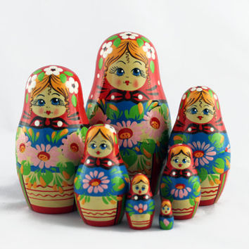 Matryoshka Russian Nesting Doll Matrioshka Babushka Beautiful Lilies Flowers Set 7 Pieces Pcs Hand Painted Handmade Souvenir Gift Handicraft