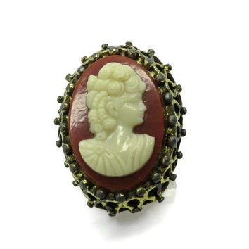Large Cameo Adjustable Ring Vintage Estate Cream Cameo Ornate Goldtone Costume Jewelry Ring Size 7
