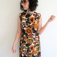 Cute Vintage Orange Brown Green Golden Large Flowers 60s 70s Sheath Dress