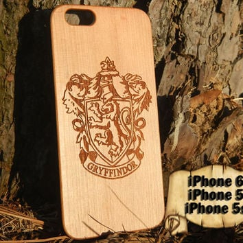 Gryffindor Crest, Harry Potter, Engraved iPhone 6 5 5s Wood Case, Made from Genuine Walnut or Cherry