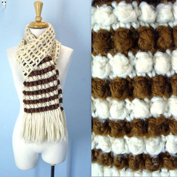 Vintage 1960s Scarf / Popcorn Crochet Scarf / Cream Brown Retro / Fringed