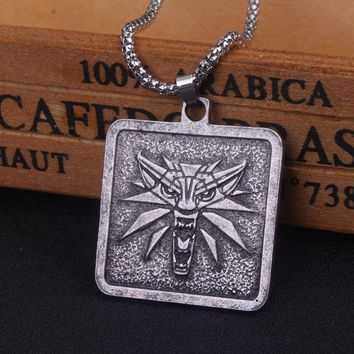 The Witcher 3 Wild Hunt Medallion Pendant Necklace Vintage Engraved Wolf Head Medallion Necklace Men Jewelry