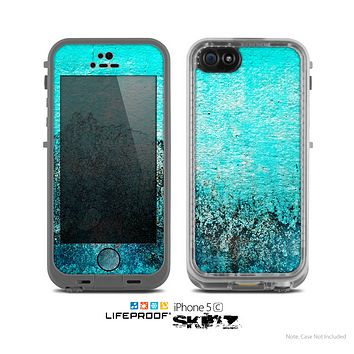 The Grungy Teal Surface V3 Skin for the Apple iPhone 5c LifeProof Case