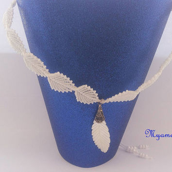 Micro Macrame necklace, white leaf