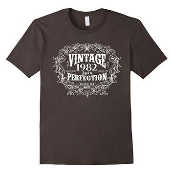 Vintage Born in 1982 Aged to perfection 35 yrs years old Birthday Gift T-Shirt