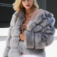 8DESS Fluffy Faux Fur Coat Women Short Furry Fake Fur Winter Outerwear Pink Coat