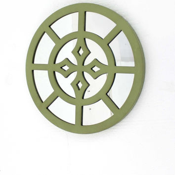 Rustic Mirrored Round Grassy Wooden Wall Decor