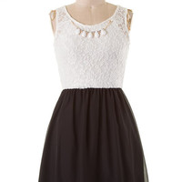 Sweet Lace Dress with Necklace - Black