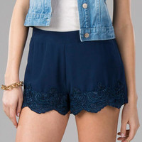 LOMOND LACE TRIM SHORTS