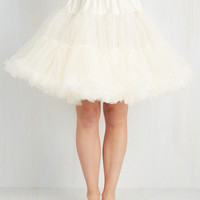 Vintage Inspired Va Va Voluminous Petticoat in Ivory - Short