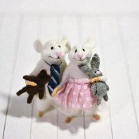 Valentine's day Little mouse  Mouse doll animal Felted animals Soft sculpture Pair of lovers mice Miniature mouse Love mice Cute mouse love