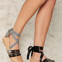 Tight Wrap Lace-Up Ballet Flat