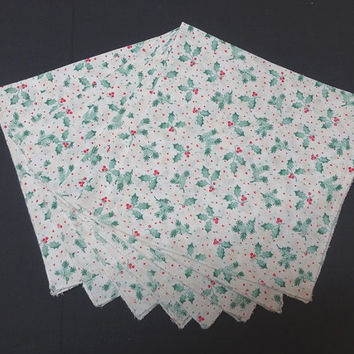 Set of 8, 1980s Vintage Christmas Dinner Napkins with Holly & Berries, Pine Branch Print, Poly Cotton Blend, Vintage Christmas Linens, Decor