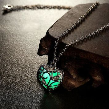 2017 Hollow Out Glow In Dark luminous Pendant Love Heart Maxi Colier Necklaces for Women Kids Sweet Noctilucent Gift Death Note
