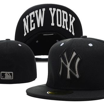 ESBON New York Yankees New Era MLB Authentic Collection 59FIFTY Caps Black-White