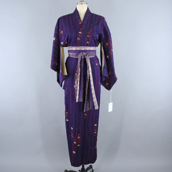 Vintage 1950s Kimono Robe / 50s Wedding Dressing Gown Lingerie / Art Deco / Purple Omeshi Embroidery / Red & Gold Floral