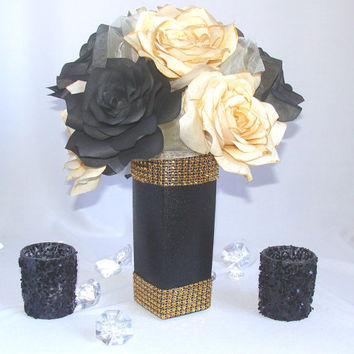 Black and gold wedding centerpieces, Gold and black Wedding Decor, Gold Bridal decor, Floral arrangements, Quinceanera, Holiday decorations