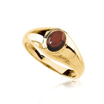 Mozambique Garnet Solitaire Ring in 14K Yellow Gold
