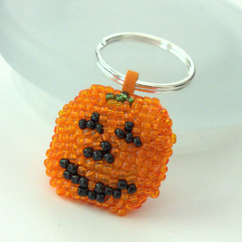 Beaded Pumpkin Key Chain - Key Fob - Thanksgiving Gift - Beaded JackoLantern - Keyring - Bag Charm - Trick or Treat Gift
