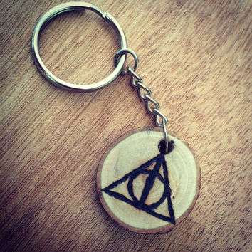 Deathly hallows keychain (Harry Potter)