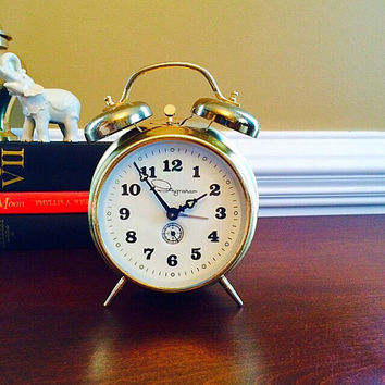 Ingraham Twin Bell Alarm Clock, Vintage Wind Up Alarm Clock, Retro Home Decor in Working Condition