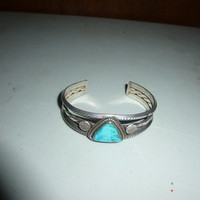 Vintage Native American Turquoise Cuff Bracelet Triangular Stone