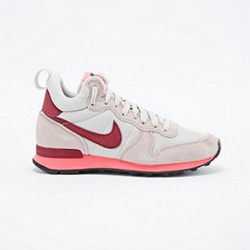 Nike Internationalist Mid-Top Trainers in Beige and Burgundy - Urban Outfitters