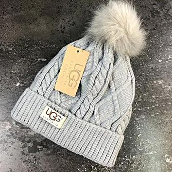 UGG Winter Stylish Women Men Cute Warm Knit Velvet Hat Cap Grey