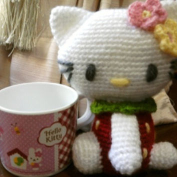 Hello Kitty strawberry version Crochet doll amigurumi by thujashop