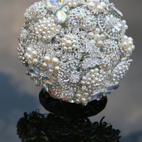 Deposit for a bespoke Brooch Wedding Bouquet