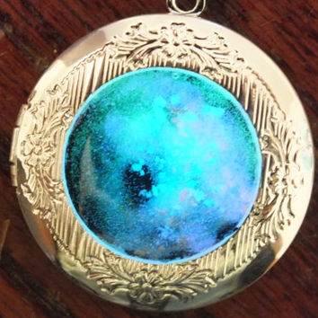 Glow In The Dark Silver Plated Galaxy Locket Necklace with Floral Scrollwork