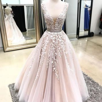 A Line Cap Sleeve V Neckline Tulle Lace Prom Dress