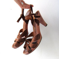vintage KILLER 1970s wooden sandals. Leather suede sandals. High heel sandals. Peep toe pumps.