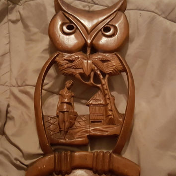 Old Folk Art Wood Owl Carving Wall Plaque, Old Folk Art Wood Own Carving Hanging Wall Decor