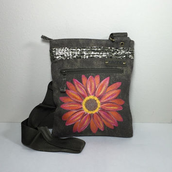 DaKine Purse in Olive Green with Hand Painted Daisy