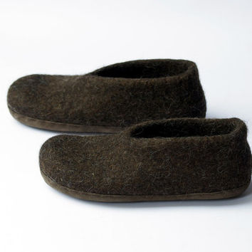 Eco friendly slippers-felted slippers- wool clogs- boiled organic shoes- boiled wool slippers-chocolate slippers-suede light brown