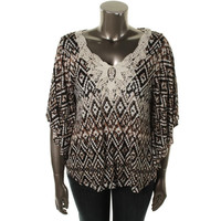 Cable & Gauge Womens Crochet Trim Pullover Top