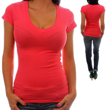 CORAL FITTED V-NECK TOP