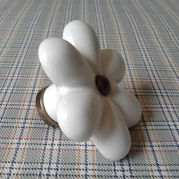 Large Porcelain Knobs Flower / White Dresser Drawer Knob Pulls Handles Ceramic / Shabby Chic Kitchen Cabinet Door Knobs Pull Handle A36